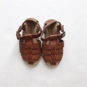 Old navy brown Velcro sandals GUC 12-18m (5)